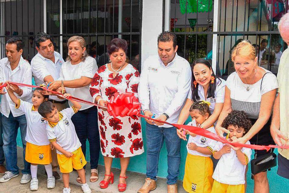 inauguracion-aulas-zihuatanejo_jorge-s-__.jpg