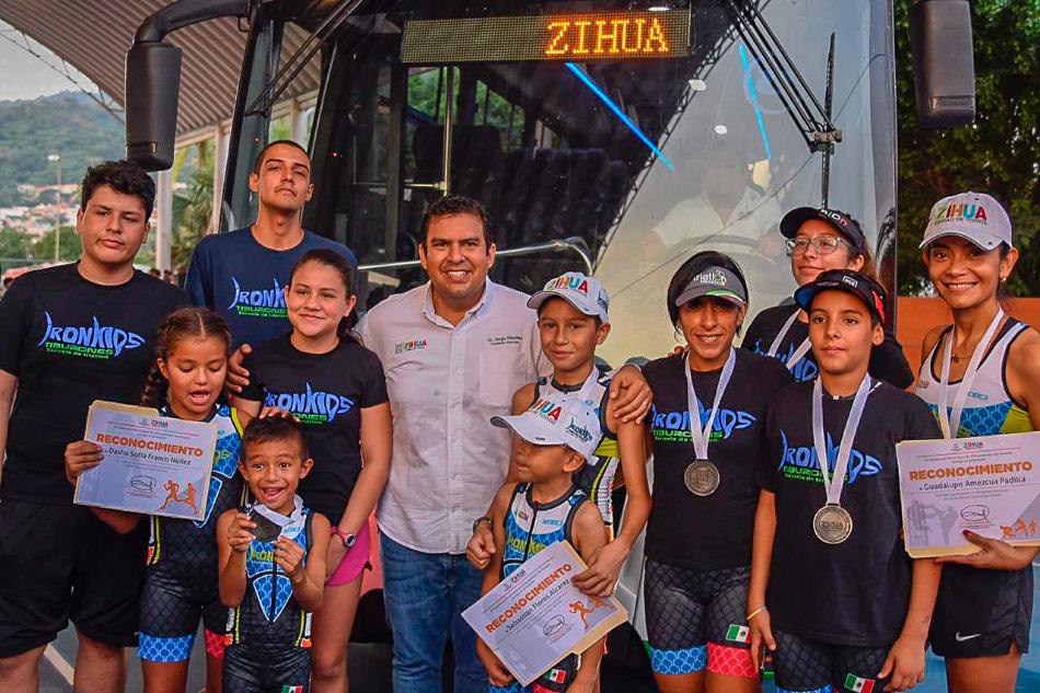 autobus-deportistas-zihuatanejo___.jpg