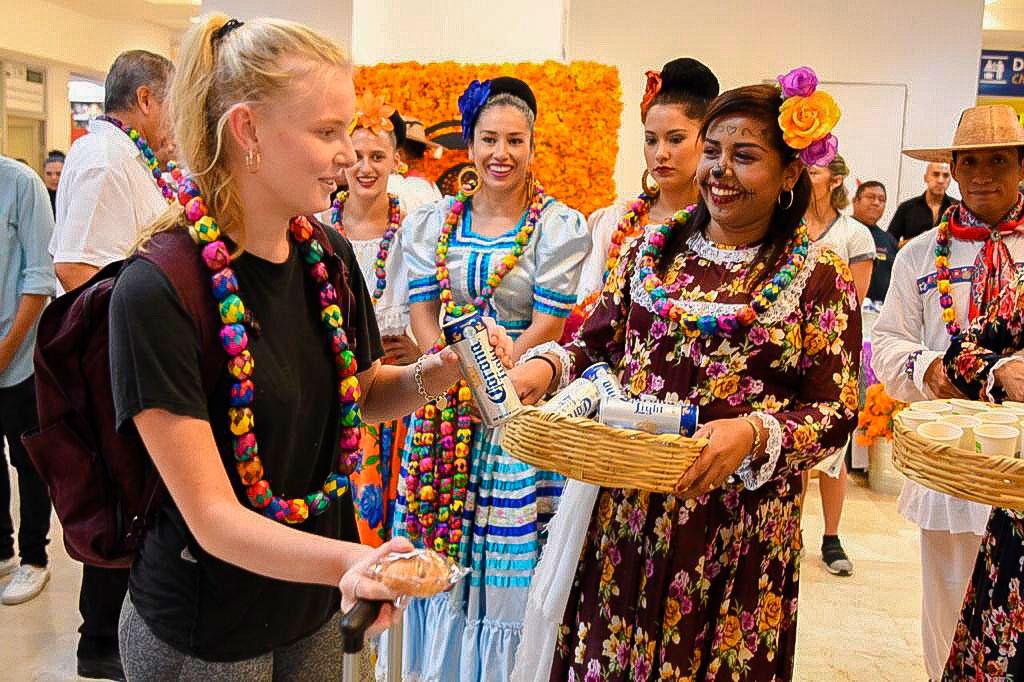 bienvenida_vuelo_Canada_ixtapa_zihuatanejo_2019_.jpg