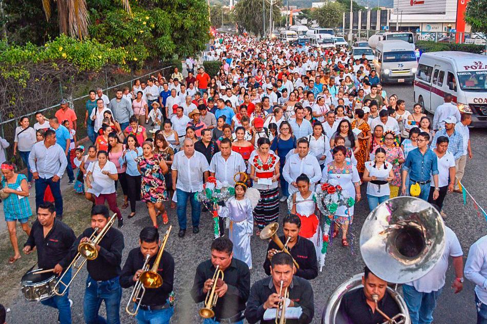 peregrinacion-virgen-zihuatanejo-ayuntamiento.jpg