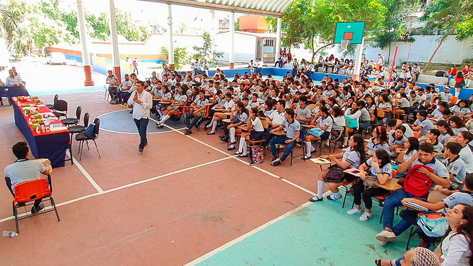 cocurso-oratoria-prepa-13-zihuatanejo-.jpg