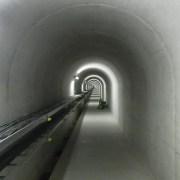 長井ダム内部のトンネル:真下慶治記念美術館主催の最上川研修 - 2011年