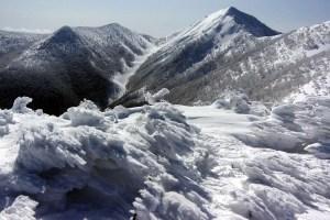 エビの尻尾:蔵王連峰(北蔵王)のカケスガ峰に登る ー 2015年3月