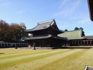 仏殿(手前)と法堂(奥):高岡市にある瑞龍寺を参拝する
