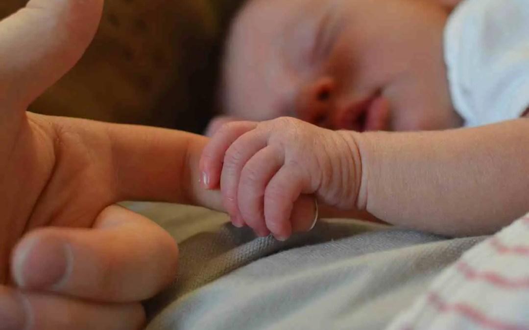 Yeni Bir Bebeği Kıskanan 7 Yaşındaki Bir çocuğa yardım etmek