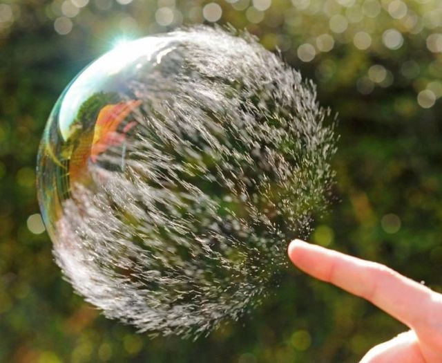 [Image 'https://i1.wp.com/izismile.com/img/img2/20090630/bubble_05.jpg' cannot be displayed]