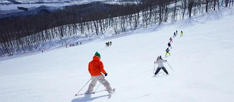 スキーインストラクターはどんな仕事をするのか