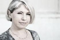 Regina laboráns. Valamikor nagyon régen Ukrajna szépségkirálynője volt, de azóta kicsit megkopott szépsége.