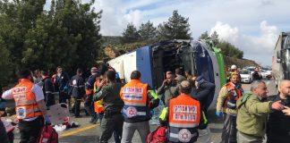 autobuszbaleset izraelben rendorseg mentok
