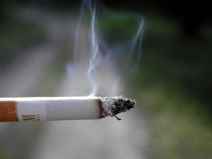 cigaretta dohanyzas csikk tuz