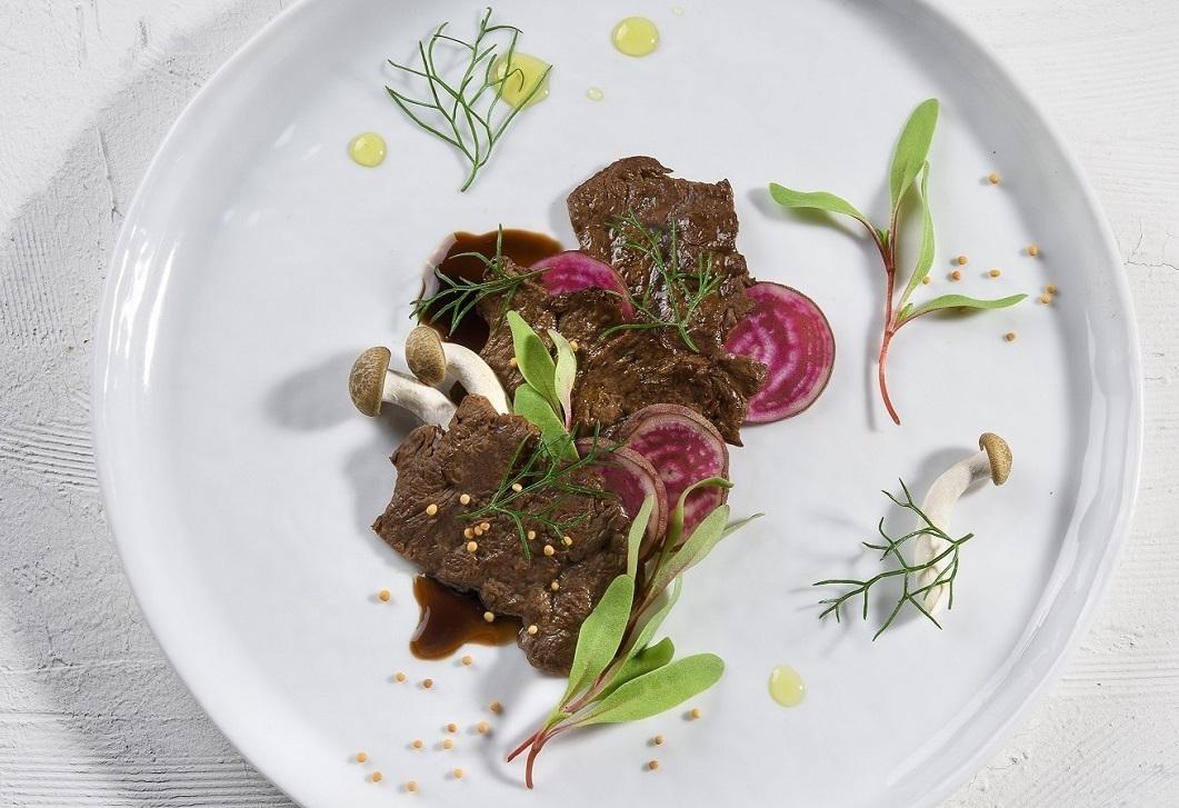Az Aleph-Farms által készített marhahús - fotó: Strauss