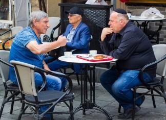 Kávézók a jeruzsálemi Mahane Yehuda piacon - fotó: Mick Harper / Shutterstock