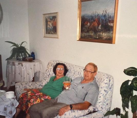 A fogadott szüleim a szüleimnél Budapesten, 1994-ben