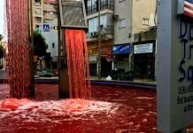 vérrel áztatott tér