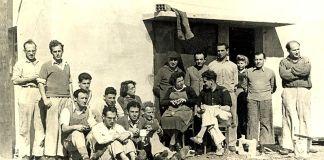A Gaaton kibuc szandálgyárcsapata 1946-ban