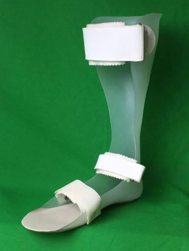 短下肢装具 シューホンブレイス