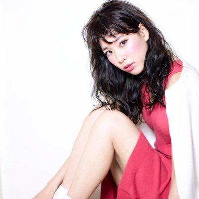 布川桃花(布川敏和の娘)結婚や現在は美脚を活かして脚モデルとして ...