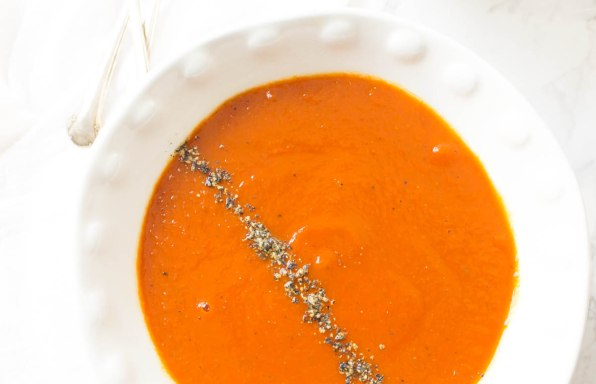 Roasted Red Pepper Tomato And Turmeric Soup