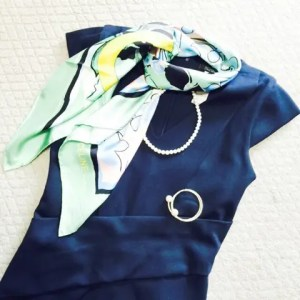 パーソナルカラースプリングがウィンターのネイビーを着るなら?