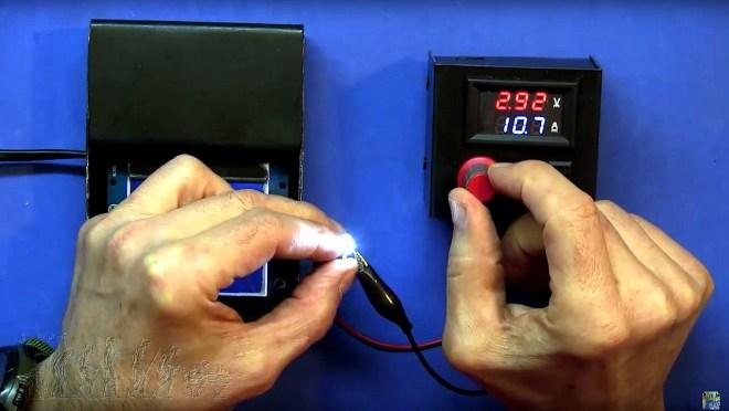 Punto de trabajo de un diodo LED