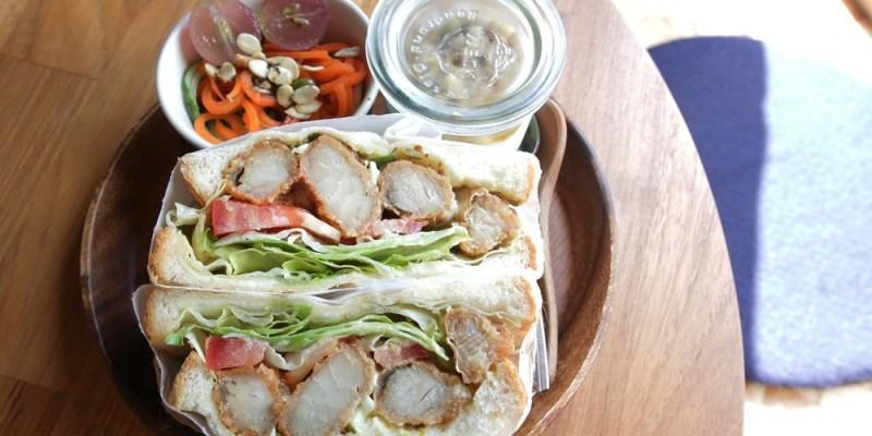 台南美食︱熱鬧中的寧靜 果核抵家 抵家抵家啦!(提供住宿)