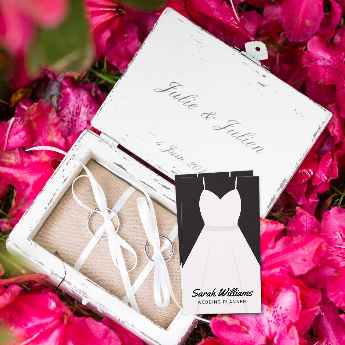 Elegant Black And White Wedding Planner Business Card J32