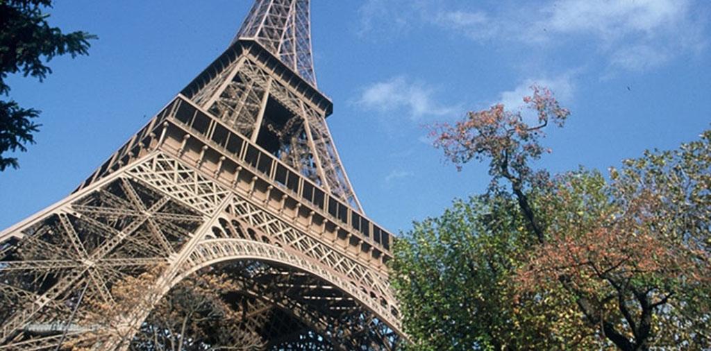 Tour Eiffel - トゥール・エッフェル