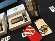 バッテリーパック、水筒、iPhone カバー