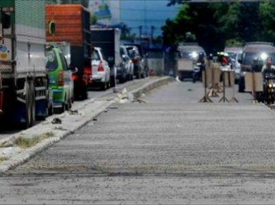 Perbaikan jalan di Kiaracondong ditargetkan rampung akhir tahun. (net)