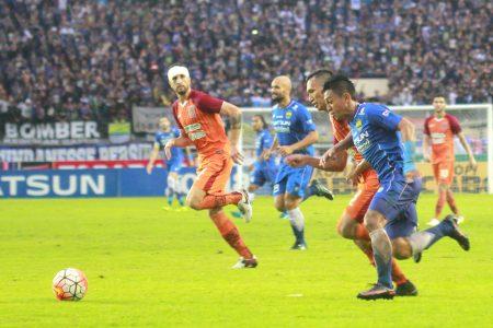 Persib Bandung sukses menaklukkan PBFC, dalam laga di Stadion Si Jalak Harupat, Rabu (14/12) dan memertahankan rekor tak terkalahkan di kandang. (istimewa for jabartoday)
