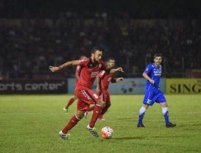 Laga Semen Padang vs Persib pada putaran pertama lalu. Saat itu, Persib takluk 4-0 dari tuan rumah. (net)