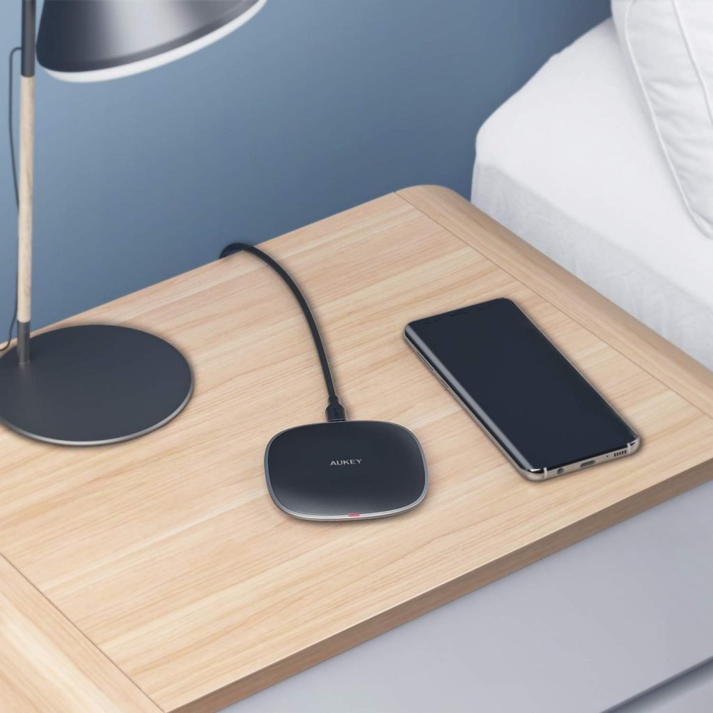 AUKEY 10W Fast Wireless Charger Pad Review