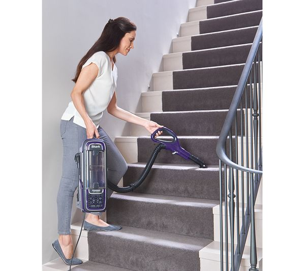 SHARK DuoClean Powered Lift-Away Anti Hair Wrap AZ950UK Upright Bagless Vacuum Cleaner Review
