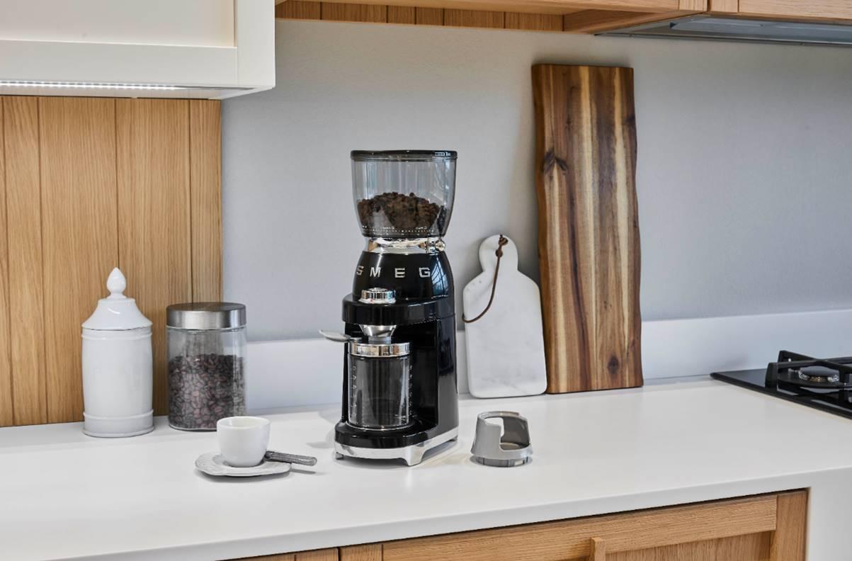 NEW! Smeg coffee grinder!