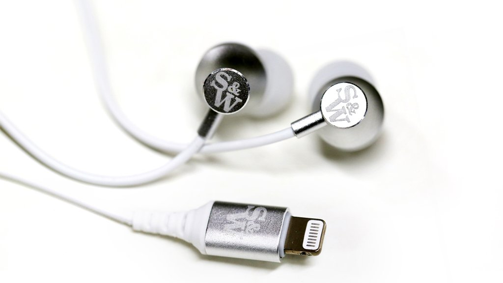 SI201 Sound Isolating Apple Lightning Earbuds Review