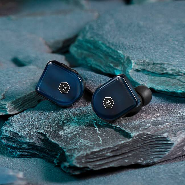 Master & Dynamic MW07 PLUS True Wireless Earphones Review