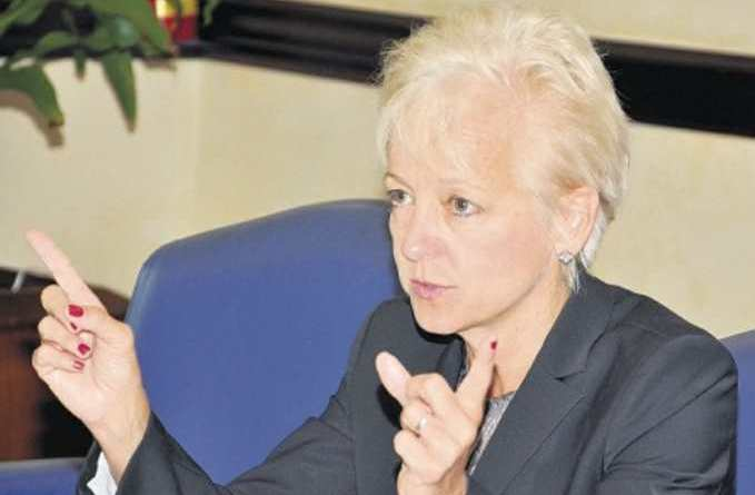 JPS told to decrease rates