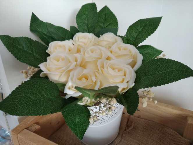 Centro rosas blancas 15,95€