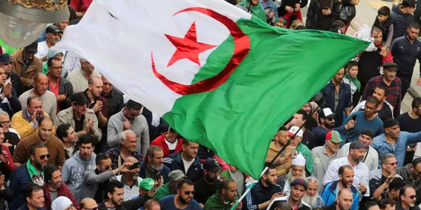 الجزائر تولد من جديد (3)