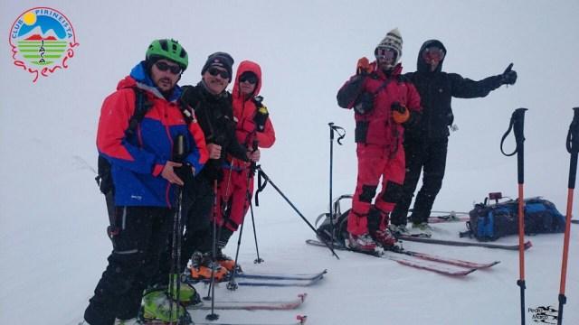 Foto de grupo en el Col Astún