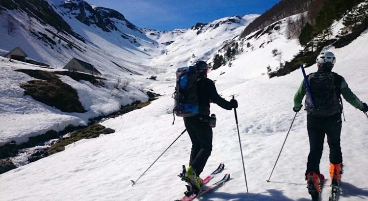 Subida por el valle de Arnousse, a punto de alcanzar las cabañas