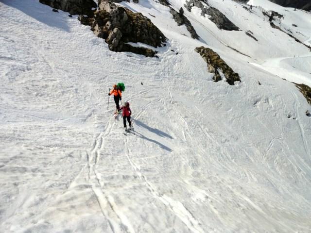 Trazando y marcando la subida por la Rinconada