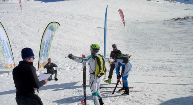 Control de una carrera de esquí de montaña