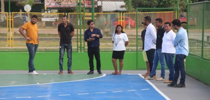 Prefeito Raimundo Batista Santiago, visitou o complexo da praça Cristina Ribeiro