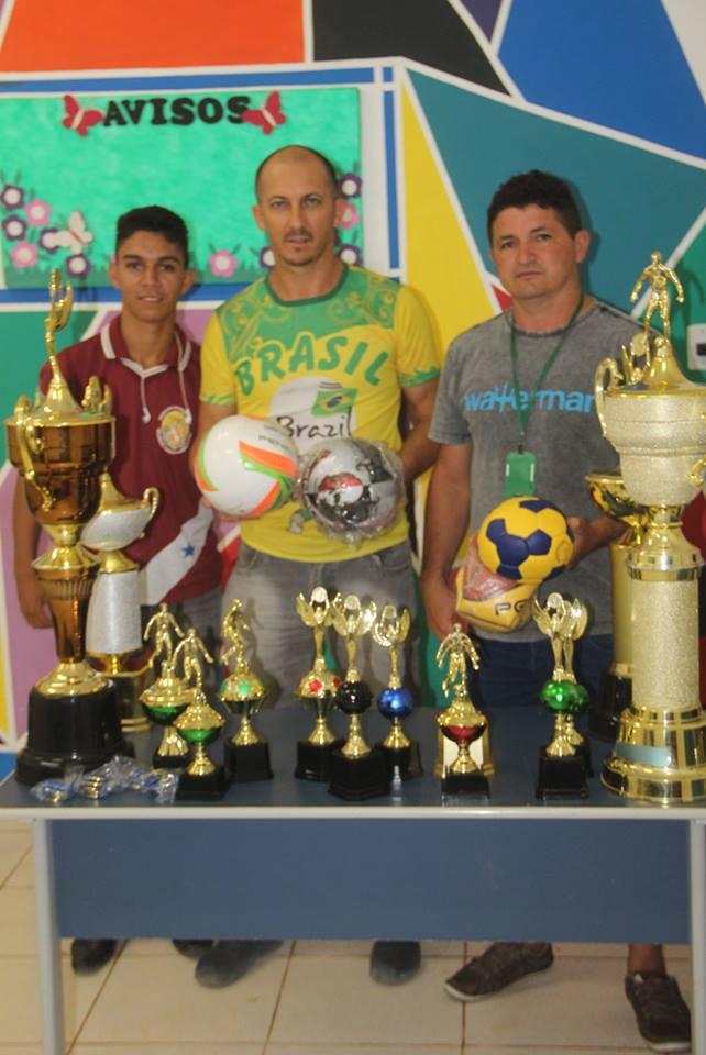 56cb45ca0 Prefeitura de Jacareacanga Entrega Material Esportiva a Escola do ...