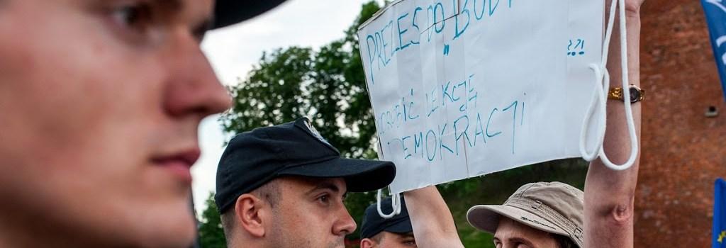 Stop upartyjnianiu Wawelu