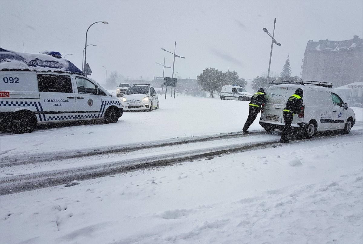 Protección Civil alerta del temporal de viento y nieve, que alcanzará Aragón este miércoles