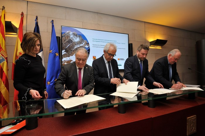 FirmaDeclaracion AECT Pirineos20180313