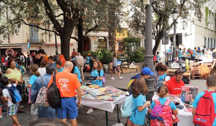 RASTRILLO. Imagen de archivo de la última edición del mercadillo. (FOTO: Rebeca Ruiz)