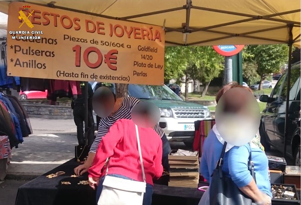 Detenido por vender joyas falsificadas en el mercadillo de Sabiñánigo